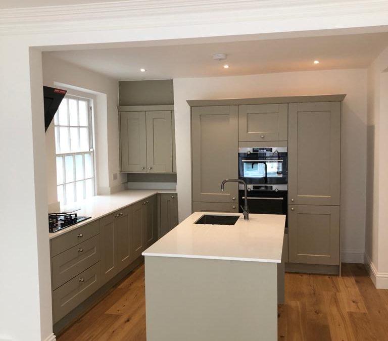 Fresh new kitchen fitting in Dartmouth